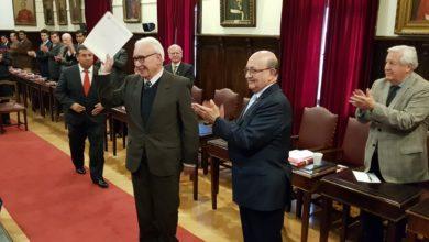 Photo of M.H. RENE MOURGUES BUENO RECIBE PREMIO POR 55 AÑOS